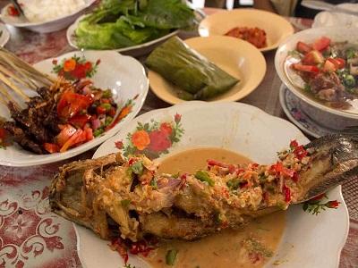 21 Tempat Makan Di Bekasi Yang Enak Dan Murah Restoran Daerah