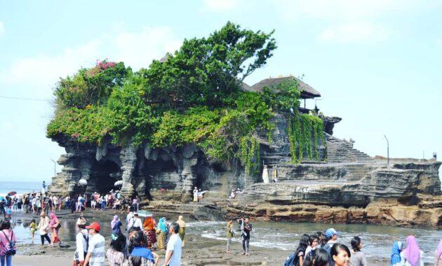 10 Gambar Pantai Tanah Lot Bali Harga Tiket Masuk Lokasi