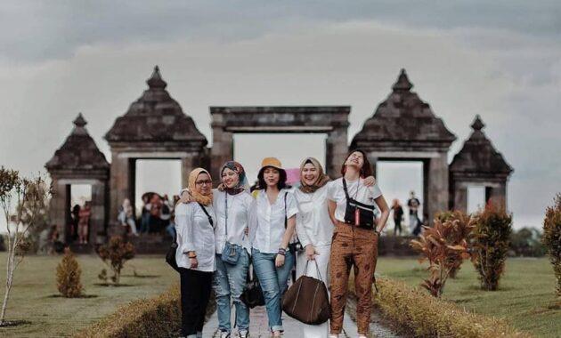 10 Gambar Candi Ratu Boko 2021 Harga Tiket Masuk Lokasi Sunset Sejarah Alamat Letak Wisata Jejakpiknik Com