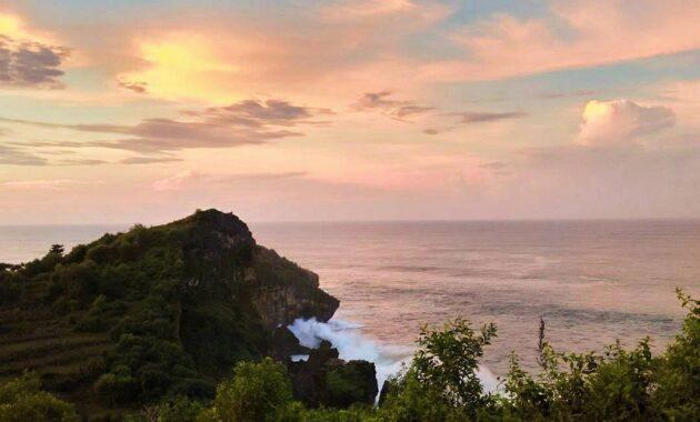 10 Gambar Bukit Kosakora Gunung Kidul Alamat Rute Dari Wonosari Ketinggian Puncak Sunset Jejakpiknik Com