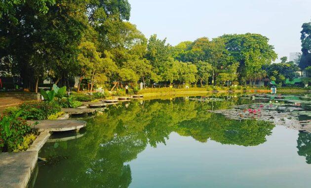10 Foto Taman Situ Lembang Menteng Jakarta Pusat Malam Hari Lokasi Alamat    JejakPiknik.Com