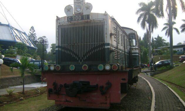 10 Foto Museum Transportasi TMII Taman Mini Jakarta Lokasi