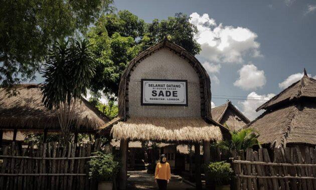 10 Foto Desa Sade Biaya Masuk Ke Pulau Lombok Ntb Sejarah Kain Tenun Rambitan Jejakpiknik Com