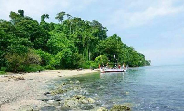 Hasil gambar untuk pulau mandalika jepara