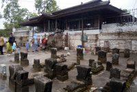 Beberapa Makam di Luar | Foto: situsbudaya.id