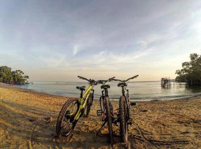 Dengan Bersepeda Jauh Lebih Seru   Instagram @onthel_mania_gesikharjo