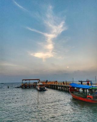 Kapal-Kapal Bersandar | Instagram @roely_qo