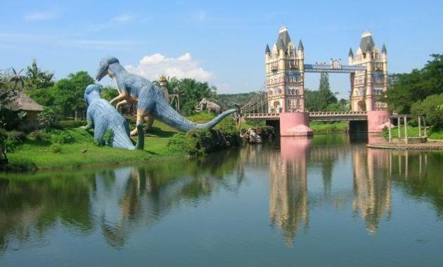 10 Gambar Fantasy Island Cibubur Harga Tiket Masuk Lokasi