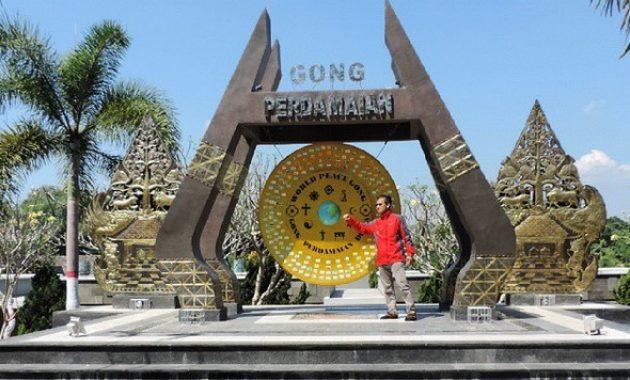 10 Gambar Gong Perdamaian Ambon Rute Menuju Wisata Letat Lokasi Keunikan Jejakpiknik Com