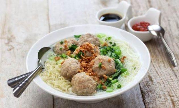 10 Mie Ayam Paling Enak Di Bandung Tempat Gerobak Bakso Ceker Jamur Pangsit Daftar Rekomendasi Halal Jejakpiknik Com