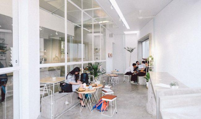 10 Cafe Hits Dan Cozy Di Surabaya 2020 Tempat Nongkrong Daerah