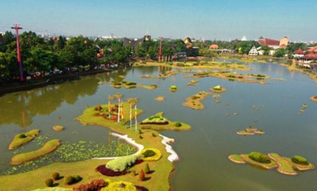 10 Foto Ada Apa Saja Di Taman Mini Indonesia Indah April 2021 Wahana Tiket Masuk Buka Jam Berapa Jejakpiknik Com