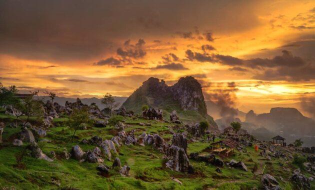 10 Foto Stone Garden Citatah, Harga Tiket Masuk Lokasi Wisata Padalarang  Cipatat Bandung Barat | JejakPiknik.Com