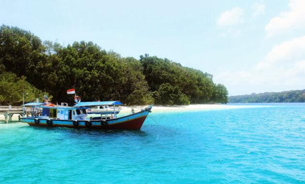 10 Paket Open Trip Ke Ujung Kulon Desember 2020 Wisata Pulau Peucang Taman Nasional Jejakpiknik Com